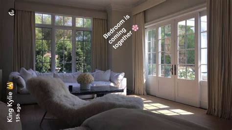 kylie jenners bedroom we finally know what kylie jenner s bedroom looks like