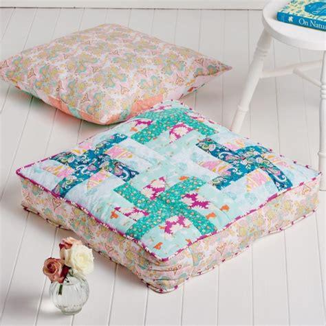 pinwheel floor cushions free sewing patterns sew magazine - Floor Cushion Pattern