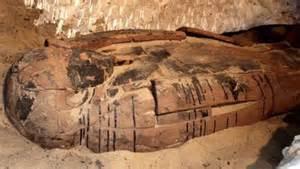 imagenes tumbas egipcias egipto hallan tumbas fara 243 nicas de la dinast 237 a xxvi