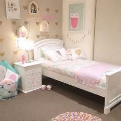 Toddler Bedroom Ideas For Small Rooms Pastel Corazones Y Alfombra De Pompones De Colores