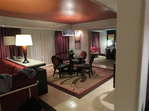 two bedroom suite in las vegas 2 bedroom tower suite main bedroom picture of the mirage