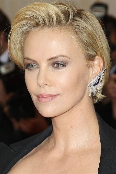 heart dhort hair cits for womens charlize theron hairstyles hairstyle for women