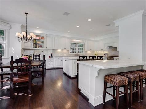 Cooks Bar And Kitchen by Vince Vaughn S 5m La Home Is Nothing Like You D Think