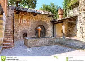 Spanish Villa Style Homes vue m 233 di 233 vale d int 233 rieur de ch 226 teau photographie stock