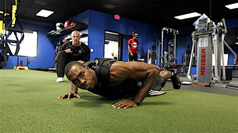 dwight howard bench press dwight howard s strength coach provides the best upper