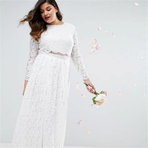 Designers With Plus Sized Wedding Dresses by 27 Designer Plus Size Wedding Dresses Brides