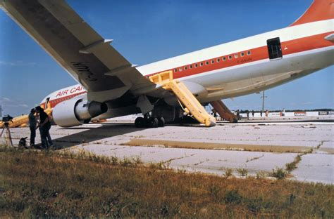 Gaun Jumbo out of fuel out of time the gimli glider smart biz