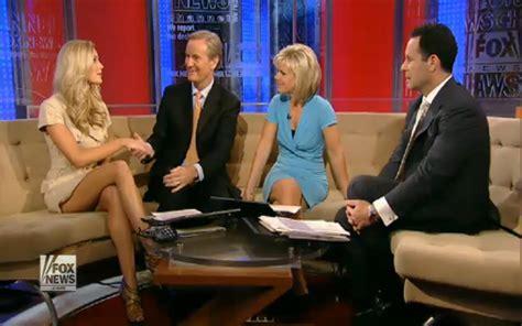 fox news anchor gretchen carlson panties gretchen carlson fox and friends download foto gambar