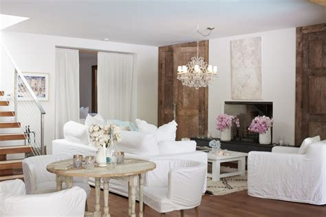 Pamela Anderson's Magincal Modern Malibu Home   Shabby chic Style   Living Room   Los Angeles