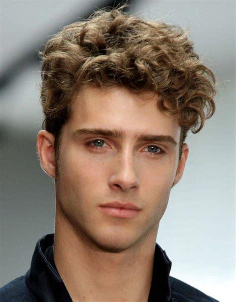 Cheveux Court Ou Comment Choisir by 63 Astuces Pour Les Hommes Avec Des Cheveux Fris 233 S