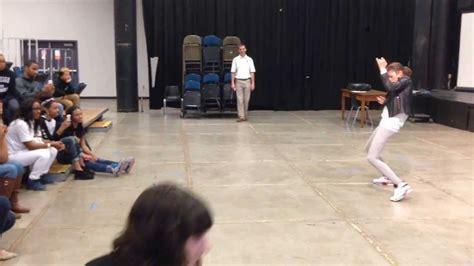 dance tutorial zendaya replay zendaya coleman teaches quot replay quot dance moves to high