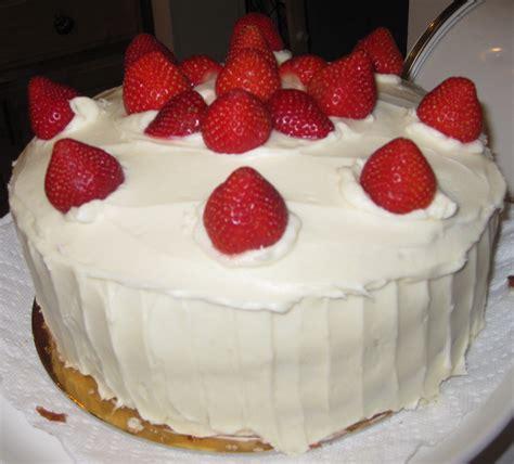 erdbeeren kuchen stsu strawberry cake nonsequiteuse