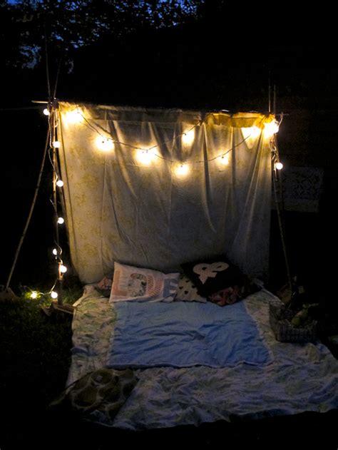 create  outdoor room   tent grandmother wren