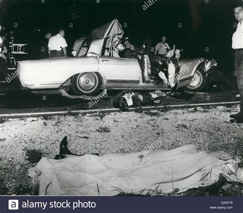 jayne mansfield car crash pictures jul 07 1967 jayne mansfield killed in car crash photo