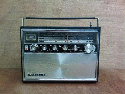 Rak Piring Jadul karya babah antik radio telesonic