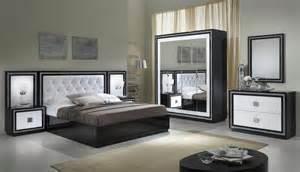 armoire design 4 portes avec miroir laqu 233 e blanche et appoline armoire 4 portes