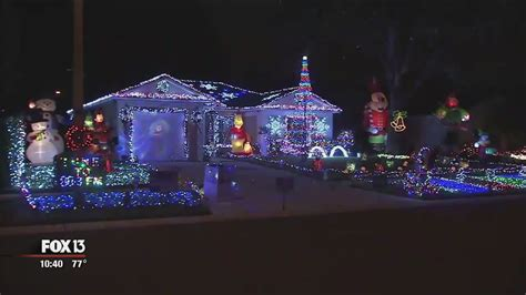 christmas lights to music youtube ta home has 55 000 christmas lights synced to music