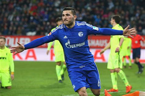 arsenal sign schalke full back sead kolasinac daily mail arsenal transfer news watch gunners most likely signing