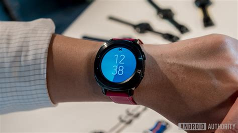 Smartwatch Samsung Gear Sport samsung gear fit 2 pro and gear sport specs price release date and features