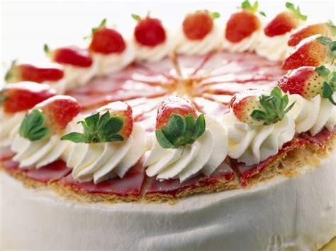 kuchen mit blätterteig erdbeer joghurt kuchen mit bl 228 tterteig rezept eat smarter