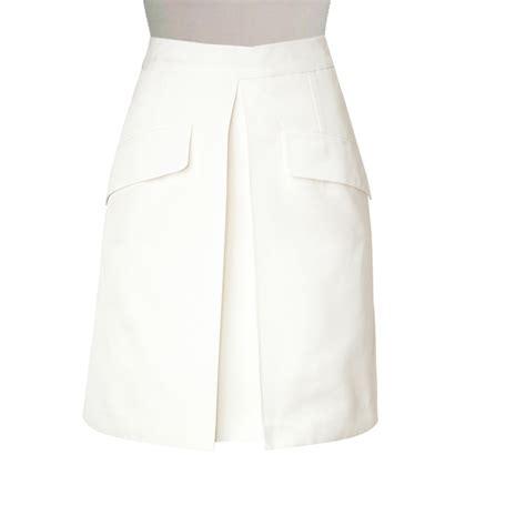 white custom made cotton blend flared a line skirt