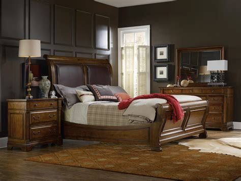 California King Sleigh Bedroom Set by Furniture Tynecastle Traditional California King