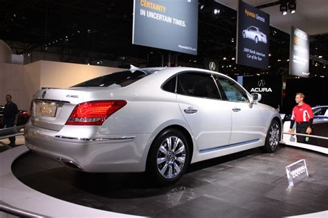 luxury hyundai hyundai brings equus luxury sedan to the new york