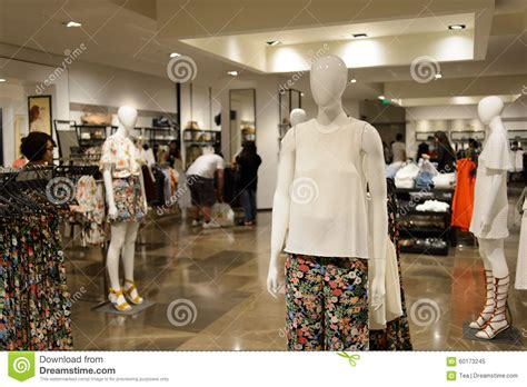 layout da loja zara zara store interior editorial image image 60173245