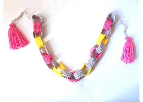 A Paper Chain - crochet a paper chain