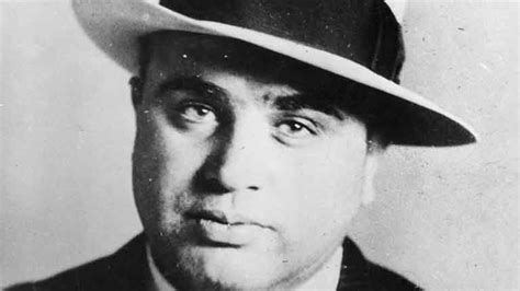 al capone s wars a complete history of organized crime in chicago during prohibition books al capone taking him out biography