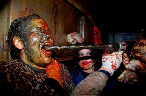 extreme haunted house 13 haunts unique haunted attractions the scare factor