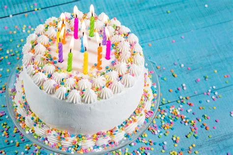 imagenes de feliz cumpleaños con pastel pastel decorado para un cumplea 241 os 77711