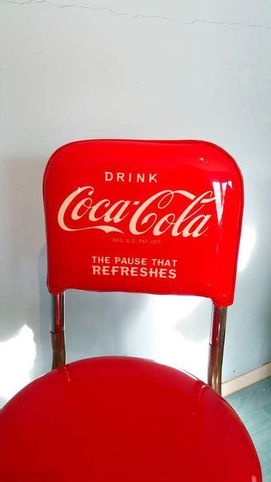 sgabelli coca cola autentico set da bar coca cola include due sgabelli e un