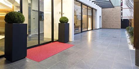zerbino per esterno zerbini tappeti per ingresso corsie