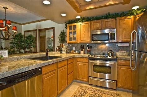 Kitchen Floor Ideas With Oak Cabinets Floor That Match Oak Cabinets Kitchen Oak Cabinets For Kitchen Renovation Kitchen Design