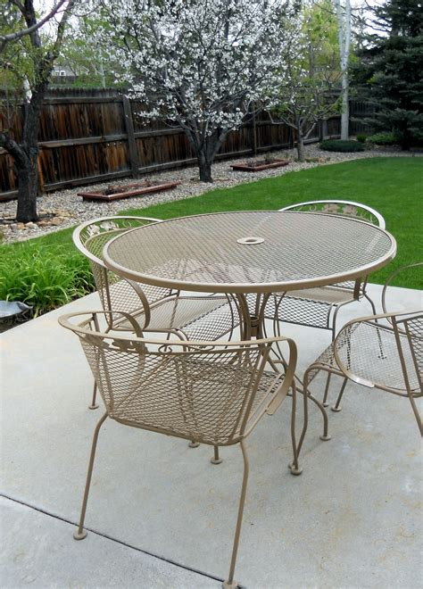 redoing patio furniture just another hang up patio furniture redo