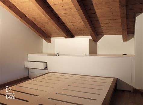da letto mansarda arredamento da letto in mansarda stile rustico