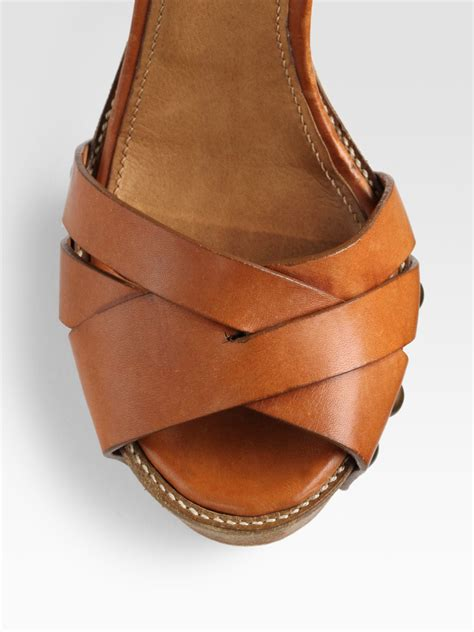 wooden sole sandals chlo 233 leather wooden sole platform sandals in brown lyst