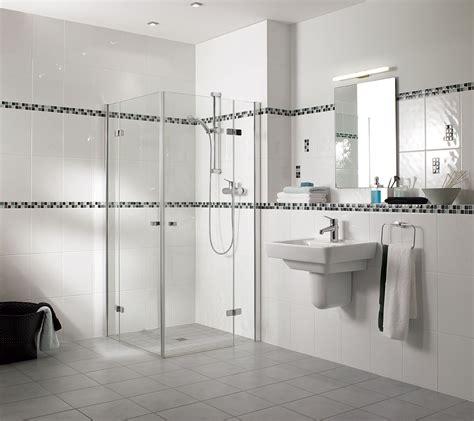 cr馘ence cuisine blanche carrelage salle de bain romantique