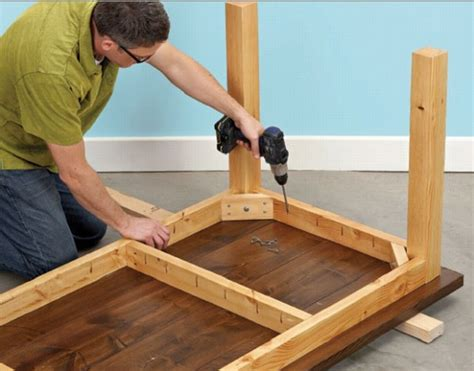 Dining Table Leg Placement by