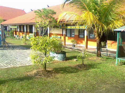 mahersi lingkungan sekolah yang bersih dan sehat