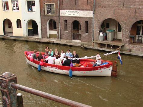 bootje varen utrecht 2 personen bootje varen biertje drinken tapasboot utrecht nl