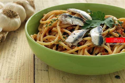 cucinare le sardine fresche pasta con sardine fresche ricetta semplice