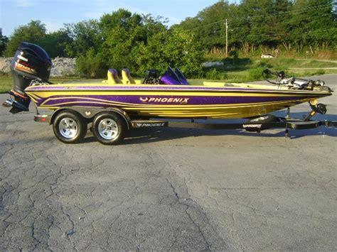 phoenix boats bass chester baxter pro bass angler 2013 phoenix bass boat