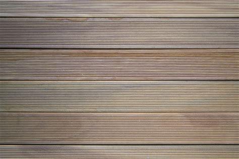 listoni legno pavimento decking pavimenti in legno per esterni listoni e mattonelle