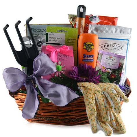 Gardening Gift Basket Ideas by Garden Gardening Gift Basket Gift Ideas