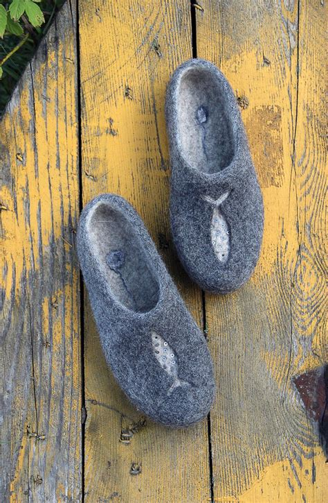 king slippers for adults 25 unique felted slippers ideas on diy wool
