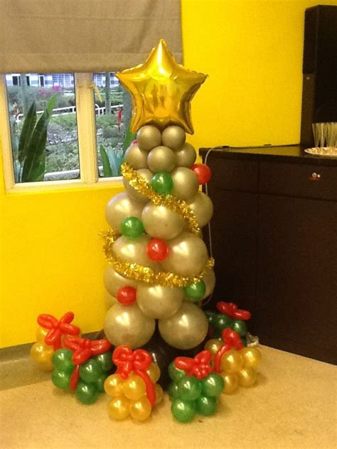 how to make a balloon christmas tree snappii silver tree balloon display