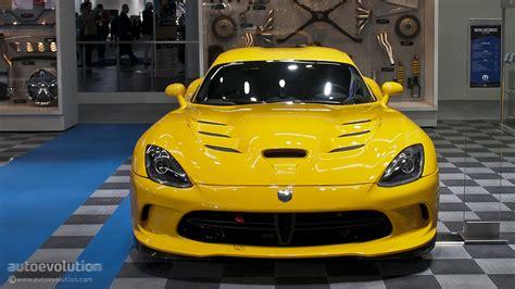 naias srt viper  mopar   autoevolution