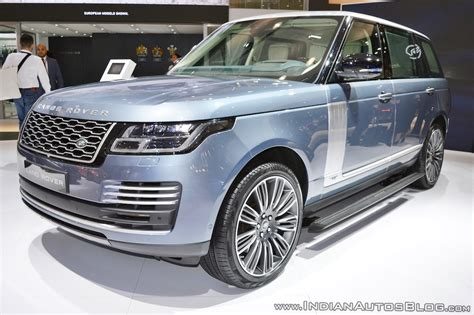 land rover dubai 2018 range rover facelift presented at the dubai motor